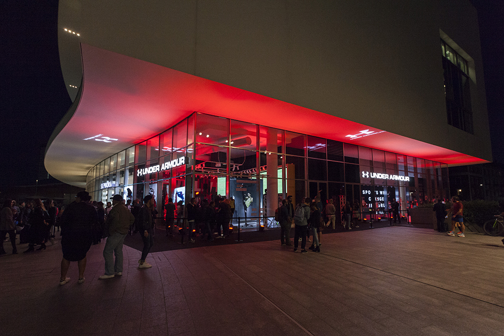 Under armour opening milano for Basketball store milano