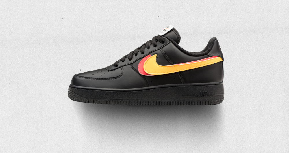 baffo nike air force 1 strappo